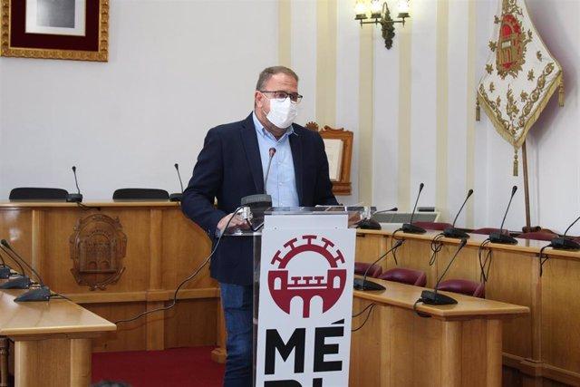 El alcalde de Mérida, Antonio Rodriguez Osuna, en rueda de prensa