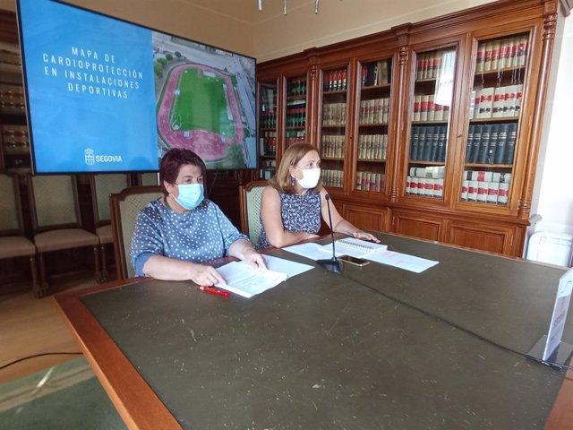 La alcaldesa de Segovia, Clara Luquero (izquierda) y la concejala de Deportes, Marian Rueda (derecha).