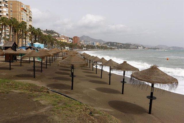 Archivo - Las playas de Málaga, vacías ante el estado de alarma por la pandemia del Covid-19