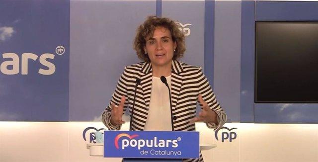 La portavoz del PP en el Parlamento Europeo, Dolors Montserrat, en rueda de prensa en Barcelona, a 22 de julio de 2021.
