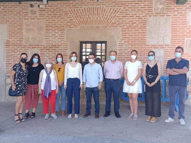 La portavoz del PSOE en la Asamblea de Madrid, Hana Jalloul, visita el municipio de Villa del Prado.
