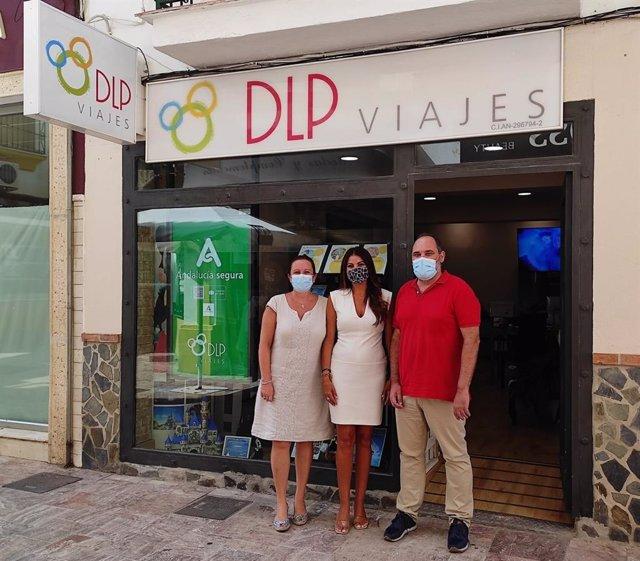 La delegada territorial de Turismo de la Junta en Málaga, Nuria Rodríguez, visita una empresa en Benalmádena.