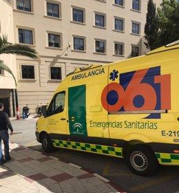 Archivo - Una ambulancia del 061 en Málaga