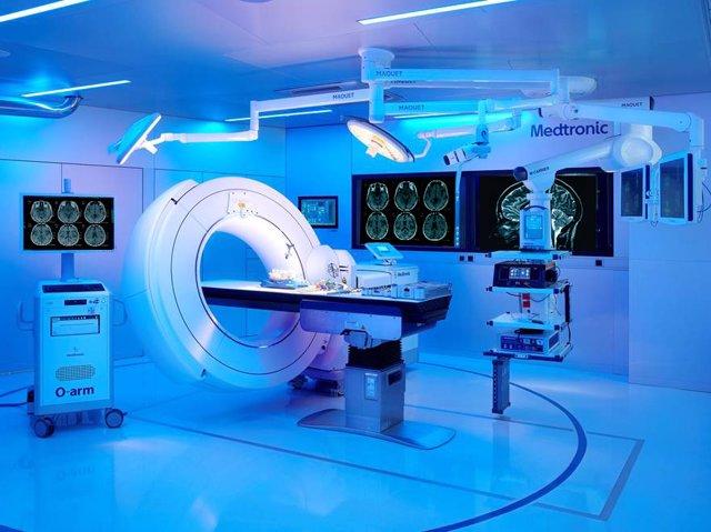 Acuerdo entre HM Hospitales y Medtronic para dotar al Hospital HM San Francisco de León de la nueva generación de sistemas de navegación StealthStation y de imagen intraoperatoria O-arm.