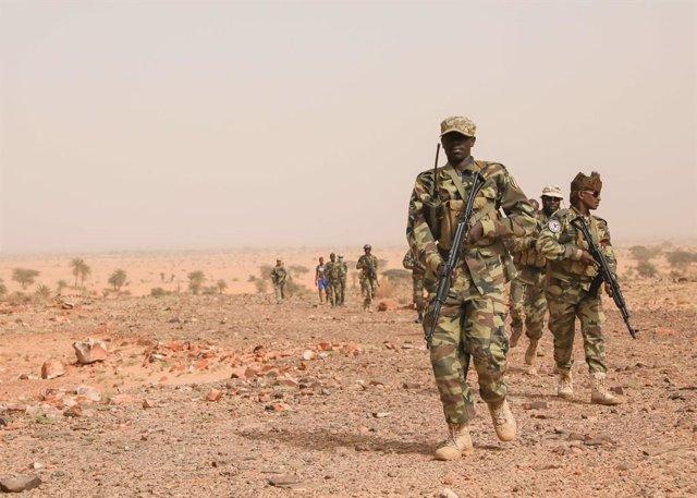 Archivo - Militares chadianos