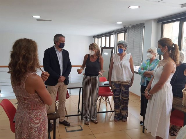 Mata y Belmonte visitan la sede de Afammer en Almería
