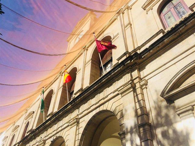 Archivo - Fachada del Ayuntamiento de Sevilla