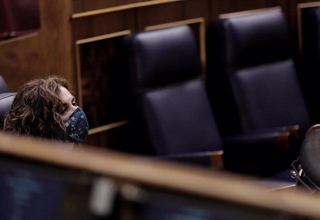 La ministra de Hacienda y Función Pública, María Jesús Montero, durante una sesión plenaria en las inmediaciones del Congreso de los Diputados, a 21 de julio de 2021, en Madrid (España).