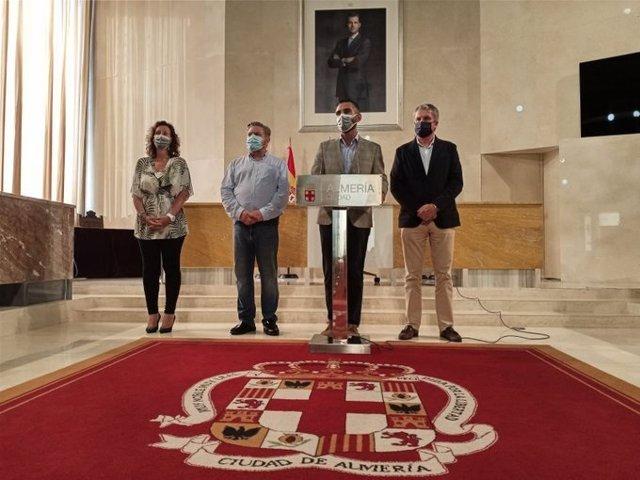 Fernández-Pacheco anuncia la suspensión de la Feria de Almería