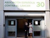 Foto: La AECC presenta a la Reina los actos conmemorativos de sus 50 años investigando en cáncer
