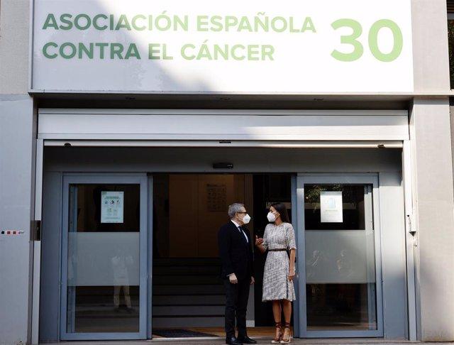 La AECC presenta a la Reina los actos conmemorativos de sus 50 años investigando en cáncer