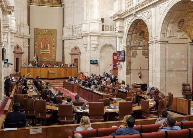 Imagen del Salón de Plenos del Parlamento andaluz.
