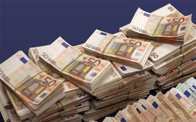 Archivo - Billetes de 50 euros
