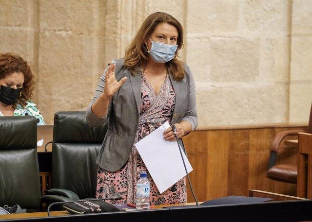 La consejera de Agricultura, Ganadería, Pesca y Desarrollo Sostenible, Carmen Crespo, en el Parlamento andaluz