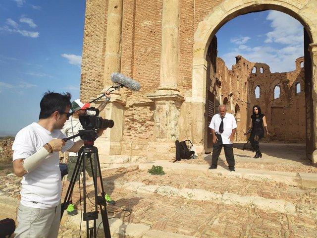 Más de 130 personas de toda España participan en 'Belchite de Película / 24 horas de cine exprés'.