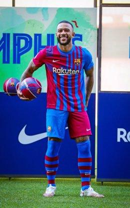Memphis Depay, presentado como nuevo jugador del FC Barcelona