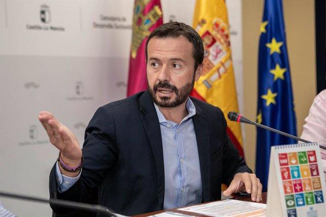 El consejero de Desarrollo Sostenible, José Luis Escudero, informa de novedades en la empresa pública medioambiental Geacam
