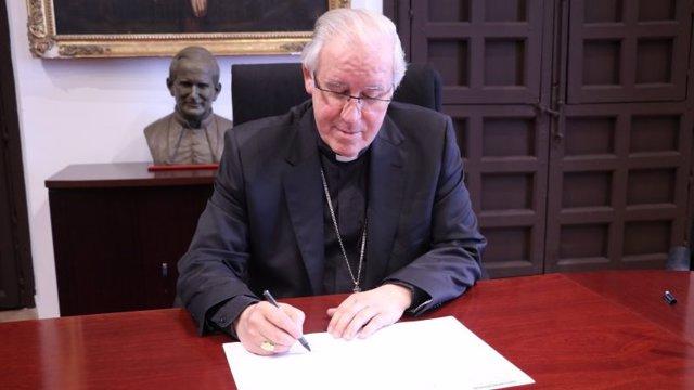 Monseñor Saiz, arzobispo de Sevilla.