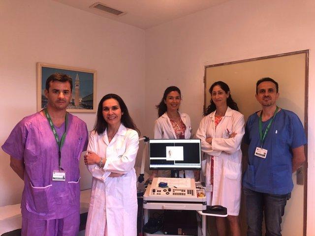 Equipo multidisciplinar de Otorrinolaringología y Neurofisiología en la nueva consulta de Torrecárdenas