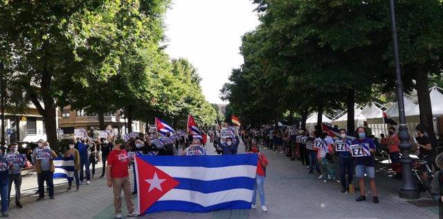 Concentración para reclamar el fin del bloqueo económico y comercial en Cuba