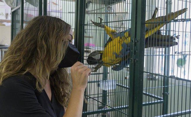 La concejala de Bienestar Animal, Gloria Tello, visita Avifauna.