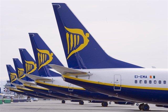 Archivo - Aviones de Ryanair.