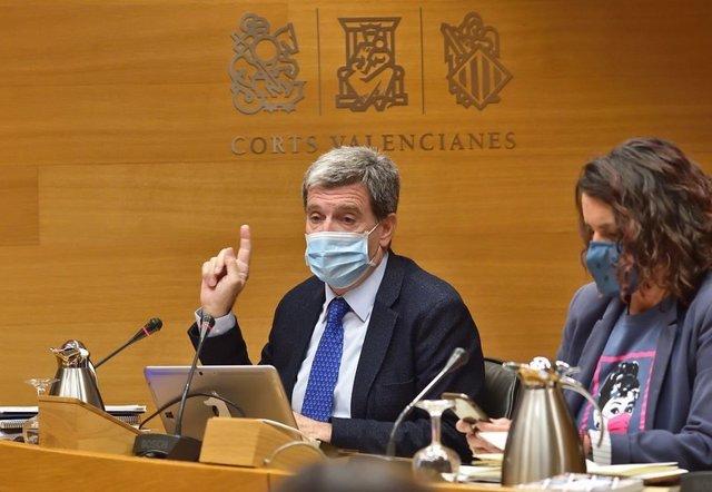 Archivo - El presidente de la Autoridad Portuaria de Valencia (APV), Aurelio Martínez, en Les Corts (archivo)
