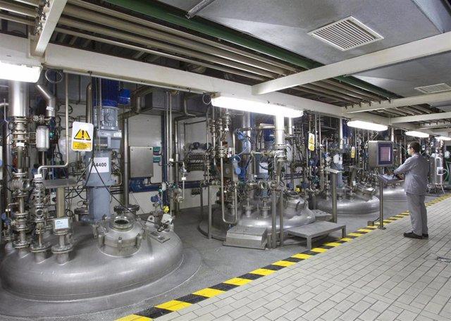 Archivo - Planta industrial de Sandoz - Novartis en Les Franqueses (Barcelona).