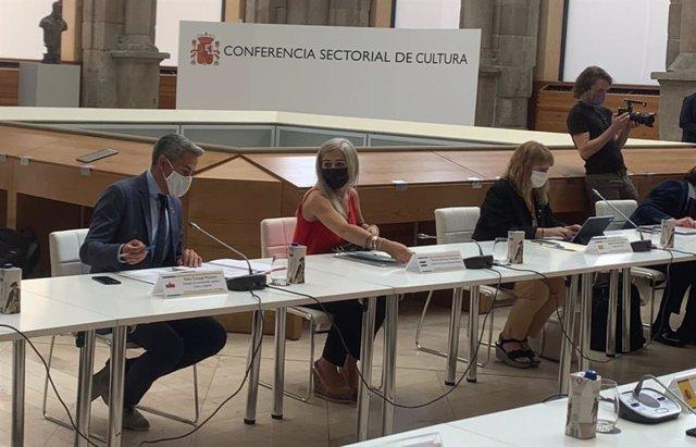 Fotografía de la consejera de Cultura y Patrimonio Histórico, Patricia del Pozo, durante su solicitud este viernes al ministro de Cultura y Deporte, Miquel Iceta.