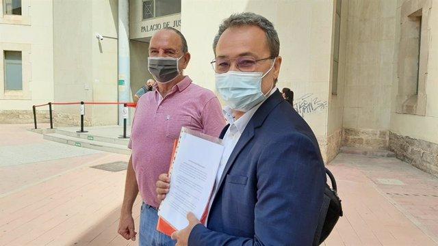 """PSPV denuncia Barcala per presumpta malversació i prevaricació en permetre contenidors """"il·legals"""" de roba al  carrer"""
