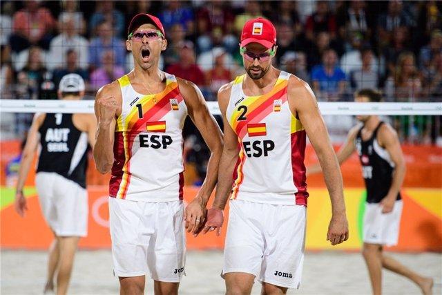 Archivo - Pablo Herrera y Adrián Gavira en los Juegos de Río