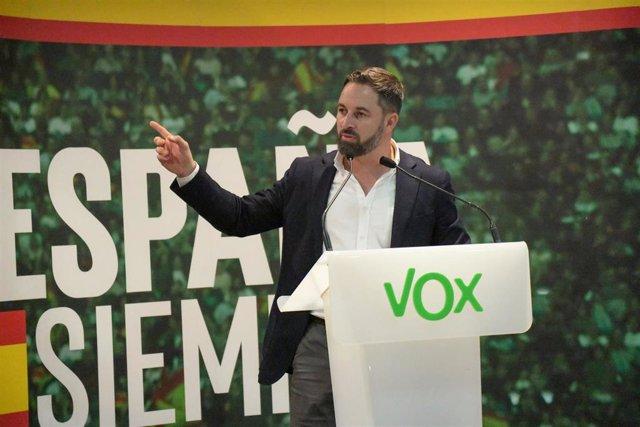 Archivo - El líder de Vox Santiago Abascal, en el acto de partido en Ceuta (España) a 30 de octubre de 2019