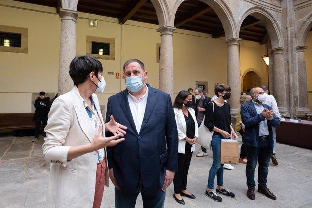 La portaveu nacional del Bloc Nacionalista Galego (BNG), Ana Pontón, i l'el president d'ERC, Oriol Junqueras en un acte organitzat pel BNG a Santiago de Compostel·la