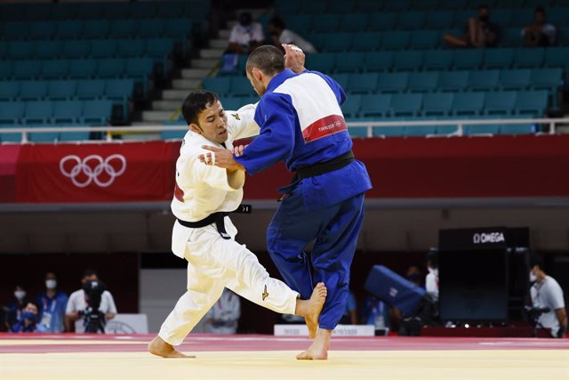 Naohisa TAKATO (JPN), CHKHVIMIANI Lukhumi (GEO) during the Olympic Games Tokyo 2020, Judo MENS -60Kg Quarter-Finals on July 24, 2021 at Nippon Budokan in Tokyo, Japan - Photo Photo Kishimoto / DPPI