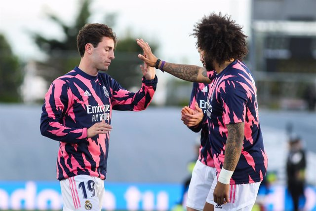Archivo - Alvaro Odriozola of Real Madrid and Marcelo Vieira of Real Madrid  warming up during La Liga football match played between Real Madrid CF and Sevilla FC at Alfredo di Stefano stadium on May 09, 2021 in Madrid, Spain.