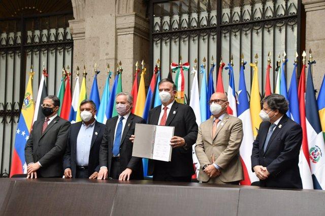 Firma del acuerdo para la creación de una Agencia Espacial Latinoamericana