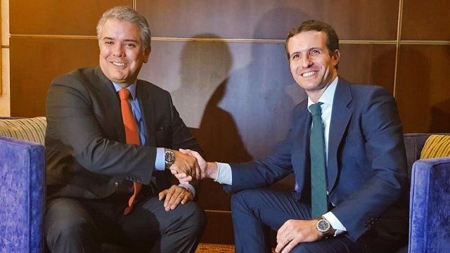 Archivo - El líder del PP, Pablo Casado, junto al presidente de Colombia, Iván Duque.