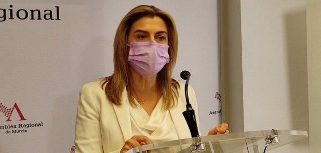 La diputada socialista Carmina Fernández
