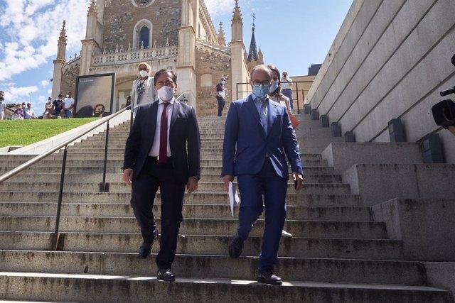 El ministro de Asuntos Exteriores, Unión Europea y Cooperación, José Manuel Albares (i), asiste a la retransmisión del 44º Comité de Patrimonio Mundial de la Unesco, en el Auditorio del Museo del Prado, a 23 de julio de 2021, en Madrid (España). Madrid ag