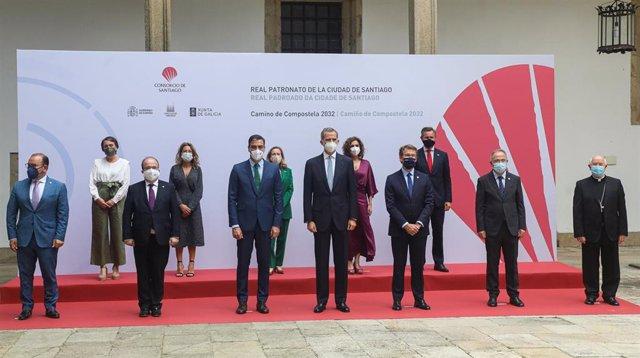 Reunión del Real Patronato de Santiago, con el Rey, el presidente del Gobierno, el presidente de la Xunta y el alcalde de Santiago, entre otras autoridades