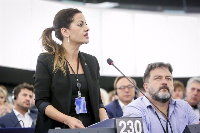 Archivo - Imagen de recurso de la eurodiputada y portavoz de IU Sira Rego, junto al también europarlamentario Manu Pineda.