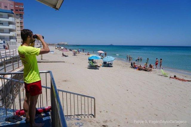 Archivo - Un socorrista, en una playa de La Manga