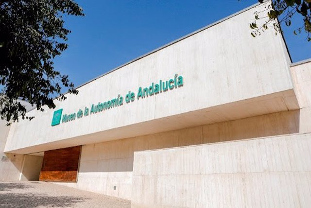 El museo abrió sus puertas el 25 de julio de 2006, ubicado entre las localidades sevillanas de Coria y La Puebla del Río.