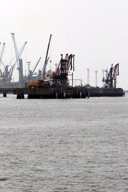 Archivo - Imagen del Puerto de Huelva