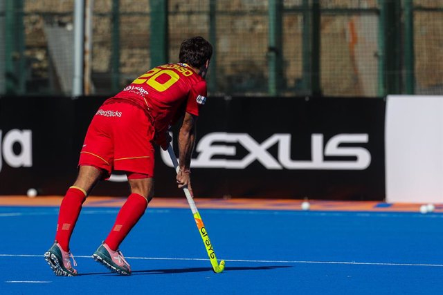 Archivo - Alejandro Alonso of spain in action during the FIH Pro League of hockey, between Spain and Belgium. At the Virgen del Carmen-Betero stadium, Valencia. On February 6, 2021. Valencia, Spain