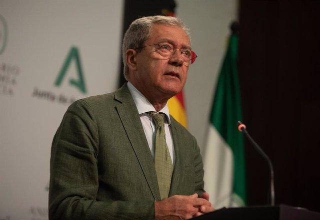 Archivo - El consejero de Transformación Económica, Industria, Conocimiento y Universidades, Rogelio Velasco, foto de archivo