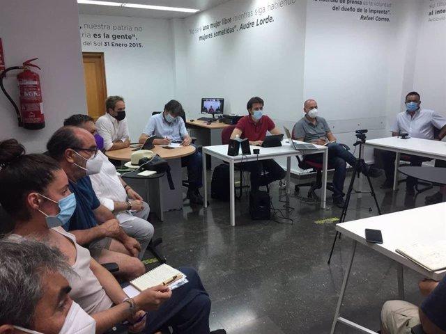 Unidas Podemos mantuvo la semana pasada un encuentro con movimientos sociales de los municipios afectados y con el comité de empresa de Adif
