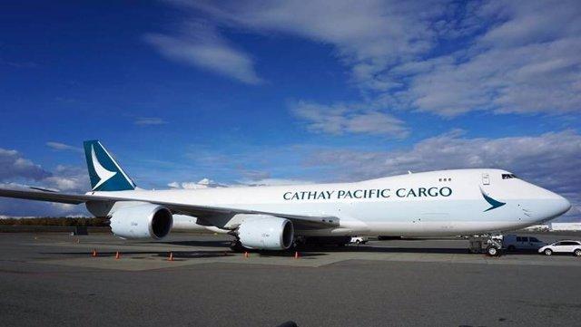 Archivo - Avión de Cathay Pacific.