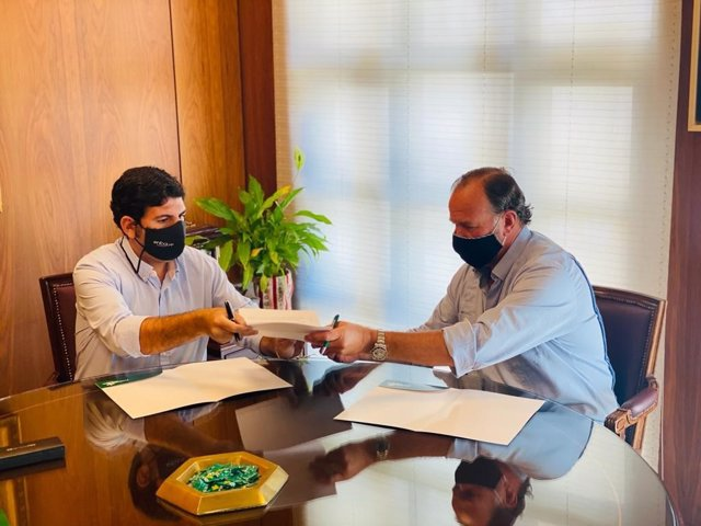 Acuerdo entre la Fundación Caja Rural del Sur para el patrocinio del I Congreso Gastronómico Iberoamericano en Huelva.