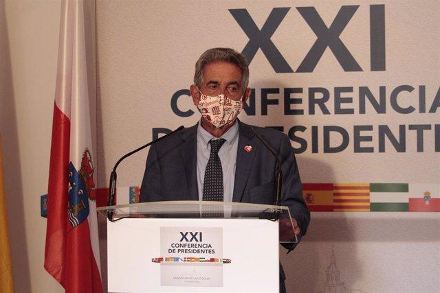 Archivo - El presidente de Cantabria, Miguel Ángel Revilla, tras la XXI Conferencia de Presidentes en San Millán de la Cogolla, La Rioja.